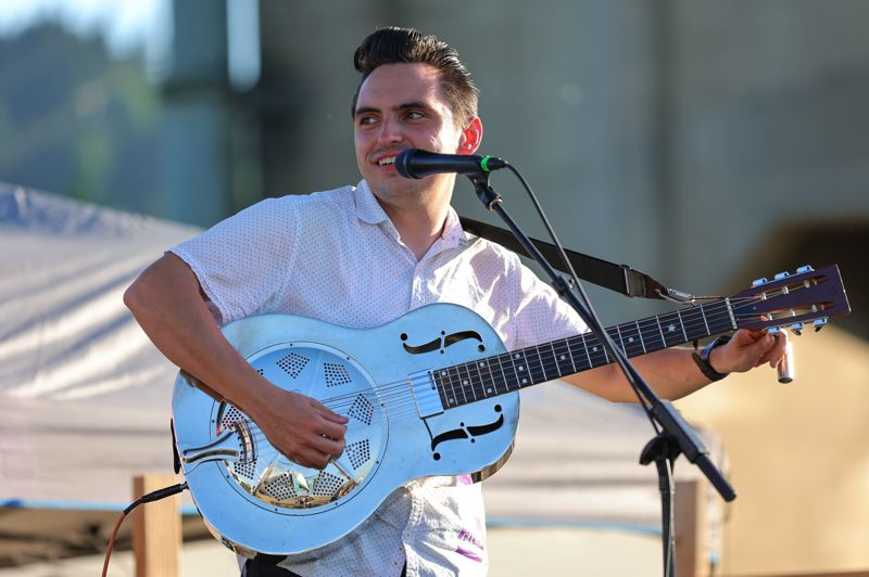 PMG PHOTO: JONATHAN VILLAGOMEZ - Ben Rice played on his guitar, accompanied by Karen Lovely on July 2.