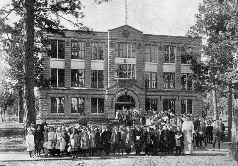 PHOTO COURTESY OF BOWMAN MUSEUM  - Reid School, located in Bend, is shown in 1915.