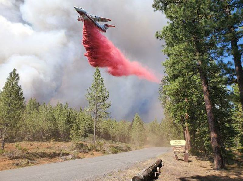 COURTESY PHOTO: INCIWEB.NWCG.GOV/ - An air tanker drops chemicals on the Bootleg Fire in southern Oregon.