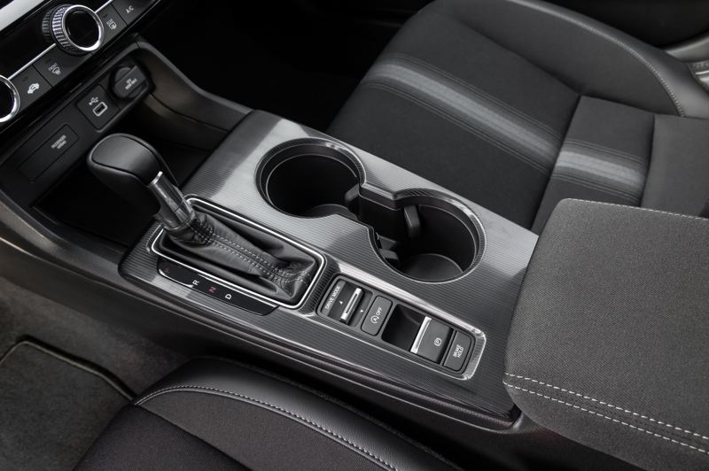 COURTESY AMERICAN HONDA MOTOR CO. - The switch behind the shift lever controls the drive modes in the 2022 Honda Civic Sport.