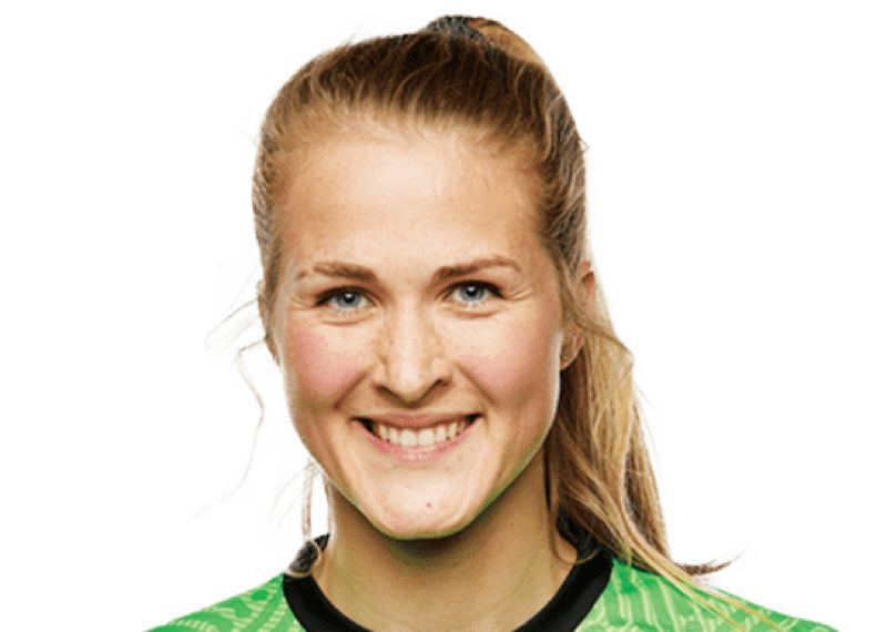 Goalkeeper Bella Bixby made two saves, one acrobatic, to help the Portland Thorns beat Kansas City.