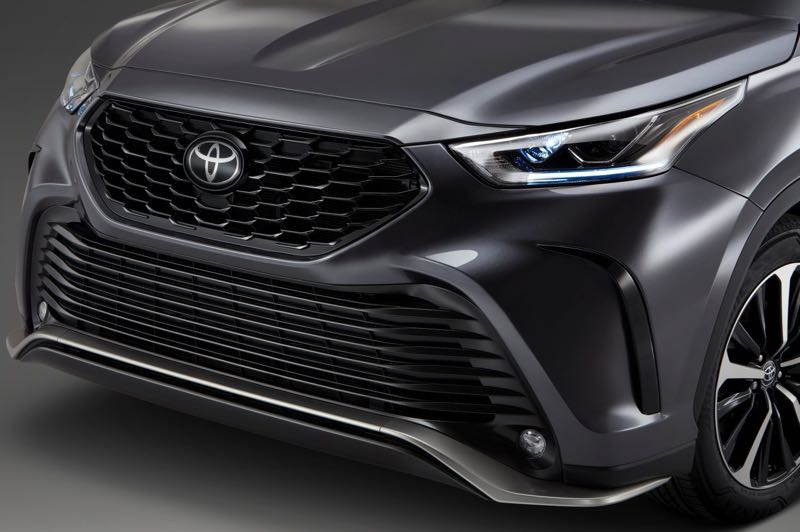 COURTESY TOYOTA MOTOR USA - The lower front air dam is part of the XSE package exterior trim for the 2021 Toyota Highlander.