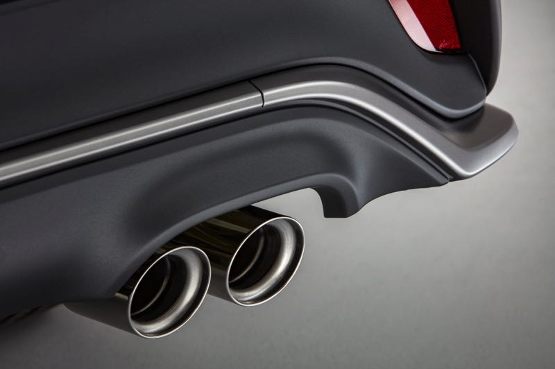 COURTESY TOYOTA MOTOR USA - Dual chrome exhaust tips are part of the XSE package for the 2021 Toyota Highlander.