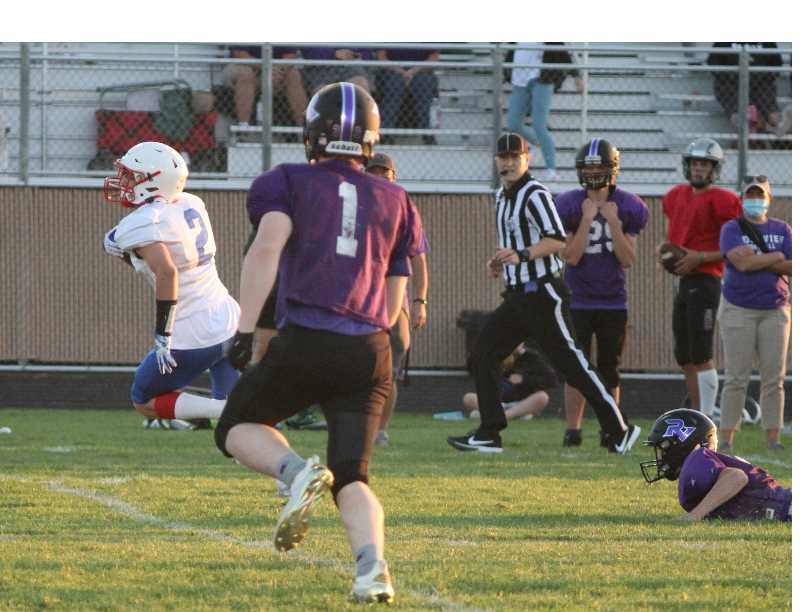 ANDY DIECKHOFF/MADRAS PIONEER - Junior wide receiver Cael White made two big plays on the Buffs' final drive, including a long gain to set up a 2-yard touchdown pass from fellow junior Dru Boyle.