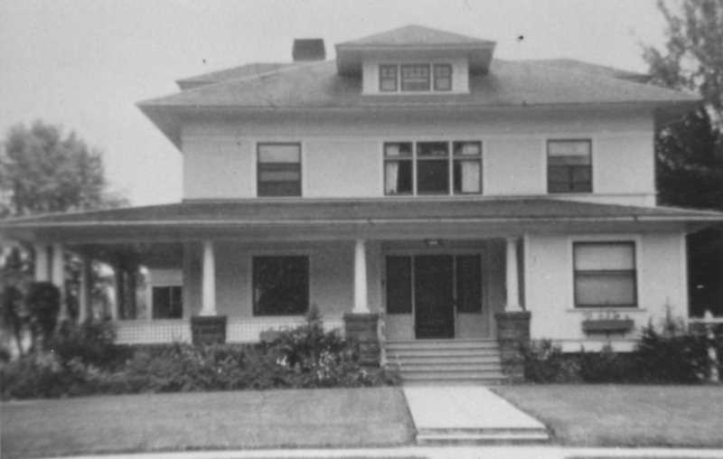 PHOTO COURTESY OF BOWMAN MUSEUM  - The Baldwin House in 1945, during the time that the Stearns family owned the house.