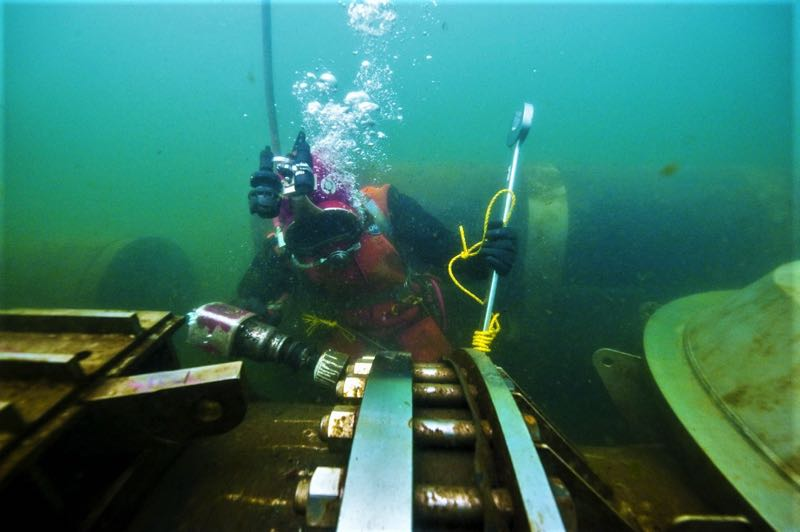 COURTESY PHOTO: CITY OF LAKE OSWEGO - Underwater inspections of the pipeline in Oswego Lake will start after Labor Day weekend and last until winter 2021/2022.