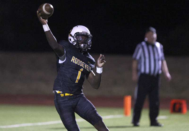 PHOTO BY JONATHAN HOUSE - Roosevelt football's Imarion Kelly lines up a pass against La Salle Prep on Friday, Sept. 10, 2021, at Roosevelt High School.