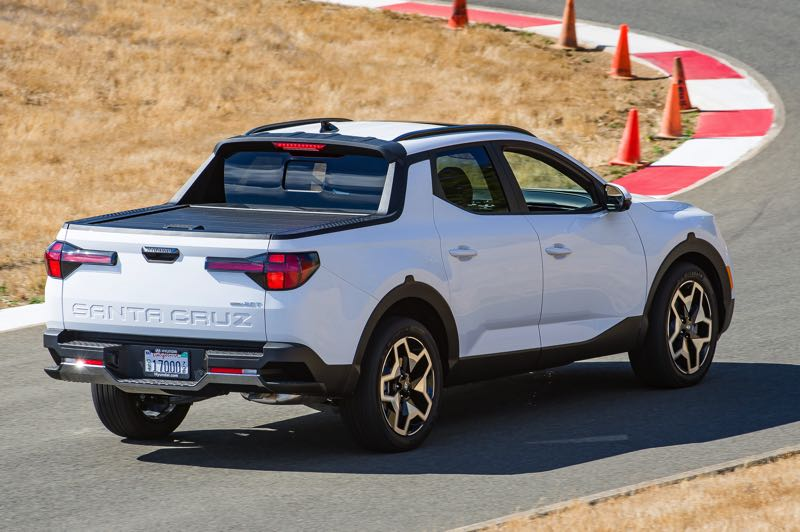 DOUG BERGER/NWAPA - The small bed did not prevent the 2022 Hyundai Santa Cruz Limited AWD from winning the Pickup Truck category at Mudfest 2021.