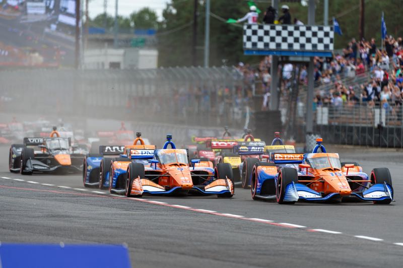PMG PHOTO: DIEGO G. DIAZ - Alex Palou leads the field after a green flag in the Grand Prix of Portland.