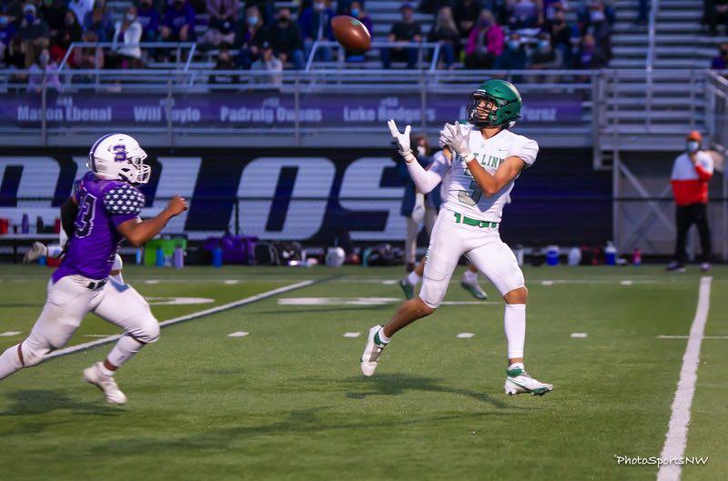 COURTESY PHOTO: BRAD CANTOR - West Linn senior Barret Brundage makes a catch during his team's 28-14 non-league win over Sunset at Sunset High School on Friday, Sept. 17.