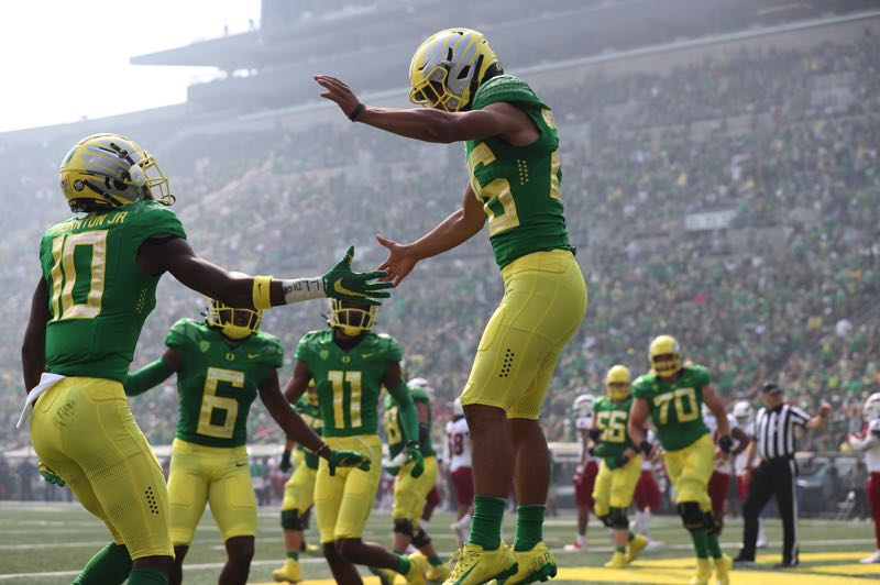 PMG PHOTO: JAIME VALDEZ - Will Travis Dye and his Ducks teammates soar to the top of the Pac-12 as expected? Their path starts at home against Arizona Saturday night.