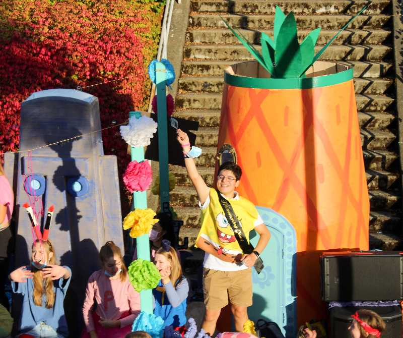 PMG PHOTO: MIA RYDER-MARKS - Wilsonville High School's senior class dressed up as characters of TV show SpongeBob Squarepants.