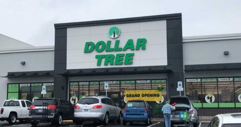 PMG PHOTO: CINDY FAMA - Dollar Tree opens a 9,200 square-foot store at 140 S. Leroy Ave. in Molalla.