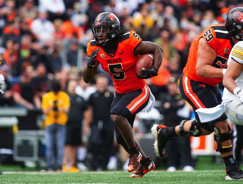PMG PHOTO: JOHN LARIVIERE - Deshaun Fenwick has helped Oregon State's running game be the best in the Pac-12, one focus during the Beavers' bye week figures to be on improving the passing game and balance on offense.