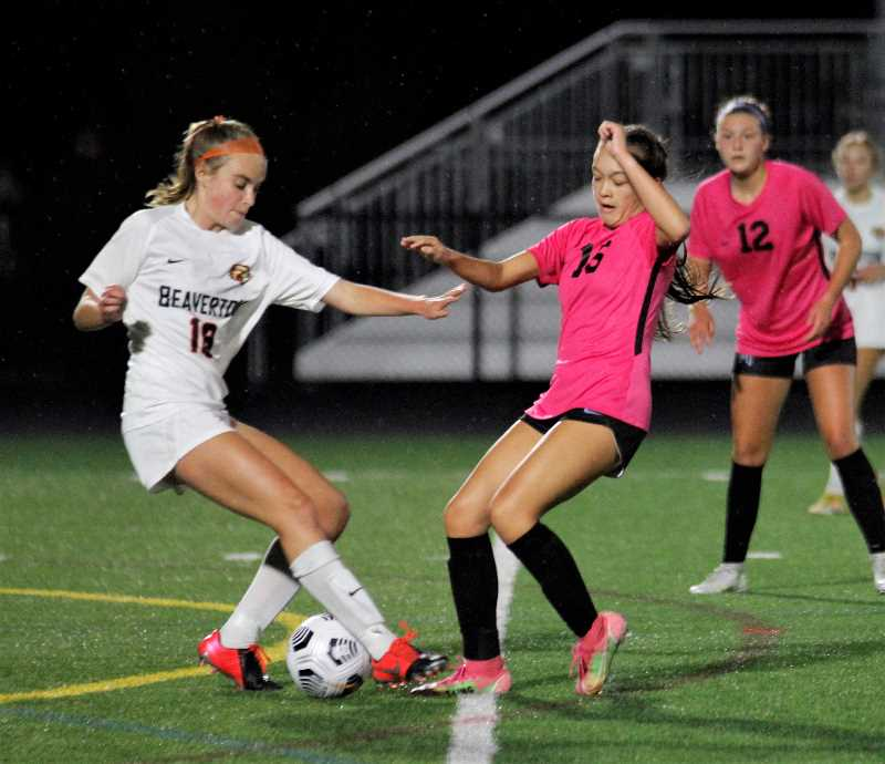 Mountainside girls topple top-ranked Beaverton on the pitch