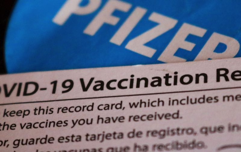 Jail deputy charged with stealing COVID-19 vaccination cards