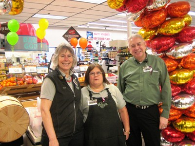 by: BILL MINTIENS/SPECIAL TO THE CENTRAL OREGONIAN - From Left: Staff from Ray's Food Place, Sue Dawson, Gayle Eppler, and Walt Blind