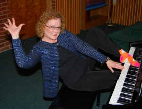by: Submitted Photo, Pianist Dianne Davies offers combination of comedy and classical music Sunday at 5 p.m. at Pilgrim Lutheran Church, 5650 S.W. Hall Blvd., Beaverton. Donations collected will help alleviate recent reductions in teacher salaries at Pilgrim Lutheran School.