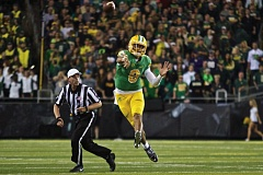 Photo Credit: TRIBUNE PHOTO: JAIME VALDEZ - Oregon quarterback Marcus Mariota and the Ducks have bounced back with two conference victories after their loss to Arizona, but the month of November always has been a challenge for UOs modern program.
