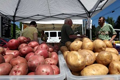 The Tigard Area Farmers Market has won a $73,000 grant to help low-income families eat healthier