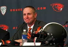 Photo Credit: TRIBUNE PHOTO: JONATHAN HOUSE - Gary Andersen's first week as Oregon State football coach has been all about communicating -- with players, recruits and other coaches and staff members.