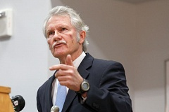 Photo Credit: PORTLAND TRIBUNE FILE PHOTO - Oregon Gov. John Kitzhaber failed to slow the growing scandal at a press conference before the start of the 2015 Oreon Legislature.