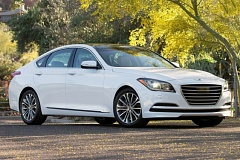 HYUNDAI MOTOR COMPANY - The exterior of the 2015 Hyundai Genesis looks like luxury cars costing thousands more.