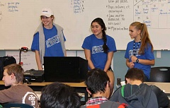 SPOKESMAN PHOTO: ANDREW KILSTROM - Wilsonville High School's Link Crew members answer questions about what to expect during finals.