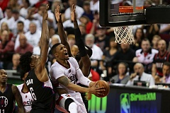 TRIBUNE PHOTO: DAVID BLAIR - Damian Lillard gets to the basket against the Clippers.