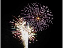 TOM BROWN - Dramatic and colorful fireworks lit up the sky around 10 p.m. July 4, thanks to the Madras Sparklers.