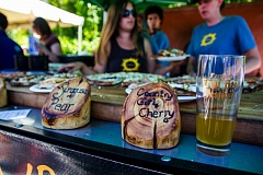 COURTESY: PORTLAND FRUIT BEER FESTIVAL - Pizza and beer are a tasty combination at the Portland Fruit Beer Festival, which has accentuated the hunger (and thirst) for libations made from fruit. The trend has been a boon for the Northwest fruit industry.