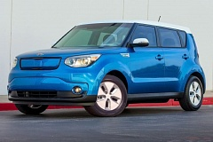 KIA NORTH AMERICA - The 2016 Kia Soul Ev is easily recognized by the wrap around front with the sliding charging port and unique alloy wheels.