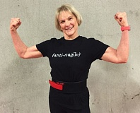 FILE PHOTO: VERN UYETAKE - Linda Graybeal heard the roar of the crowd when she set a world record in the deadlift at the recent world powerlifting championships in Portland.