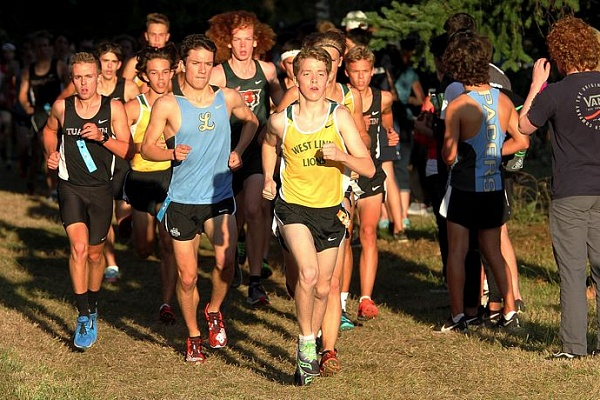 Dash Lipsey second, West Linn boys fourth at TRL Preview meet