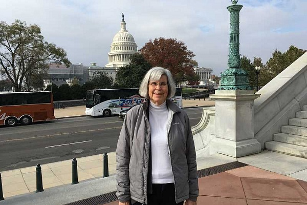 Lake Oswego resident lobbies Congress for peace