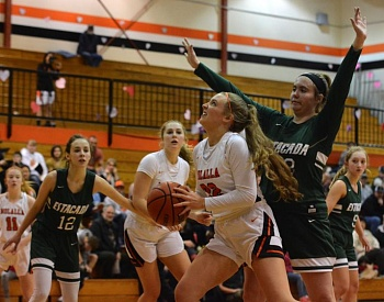Molalla basketball teams sweep Estacada