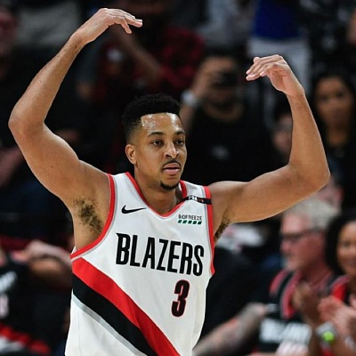 McCollum, Anthony lead Blazers to 'must win'