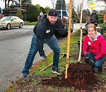 Volunteers dig in for Friends of Trees Inner S.E. winter…
