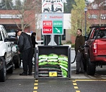 Officials: Self-service at Oregon gas pumps not mandatory
