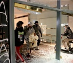 Looting erupts in downtown Portland, police declare riot