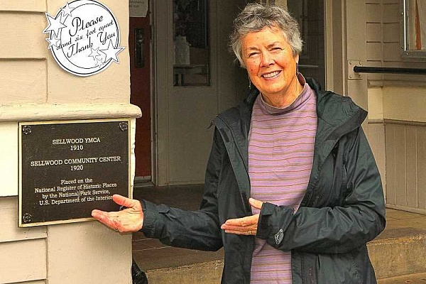 Historian Eileen Fitzsimons gets Oregon Heritage Excellence Award
