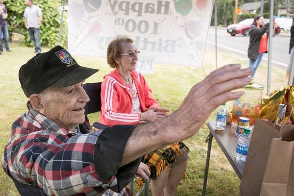 Tigard's Paul Herberholz celebrates his 100th birthday with a drive-by parade