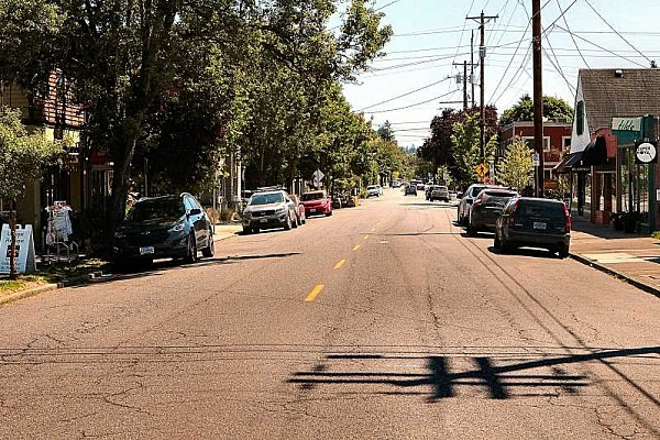 Businesses, neighbors, mull city's 'Sellwood Square' plan