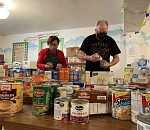 Community rallies to fill West Linn Food Pantry shelves