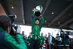 TRIBUNE FILE PHOTO: ADAM WICKHAM - Goalkeeper Adam Kwarasey got to hoist the MLS Cup as the Portland Timbers returned home as MLC champions in December 2015.