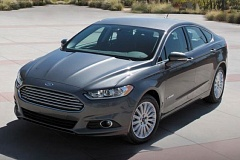 FORD MOTOR COMPANY - The 2017 Ford Fusion Hybrid proves alternative fuel vehicles don't have to look dorky. It is sharly styled and available with multiple wheels and tires.