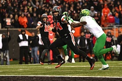 Ryan Nall ran for 155 yards and four touchdowns in Oregon State's 34-24 win over Oregon