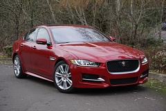 PORTLAND TRIBUNE: JEFF ZURSCHMEIDE - The compact 2017 Jaguar XE retains the smooth lines of the company's larger sedans and has as much interior room as most midsize cars.