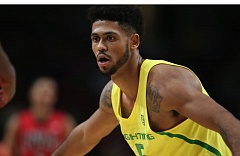 Tyler Dorsey scored 24 points for the Ducks